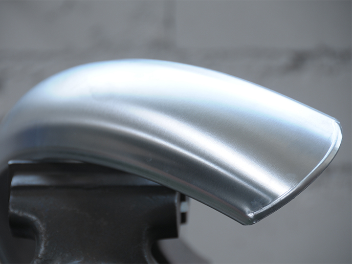 Aluminium mudguard for front wheels